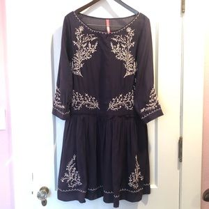 Navy w/white embroidery dress by Tracy Reese L